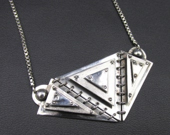 Strata plastron necklace, for woman in silver 925, unique piece, geometric triangle shape, jewel creation Flora Guigal