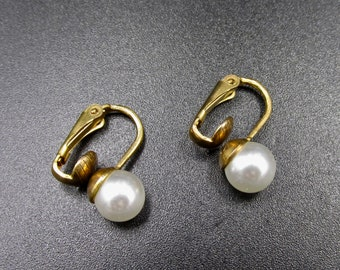 Earrings clip vintage white beads and gold metal