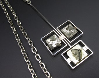 Beautiful modernist vintage piece, large necklace with Scandinavian design, German work in the 70s silver and pyrite