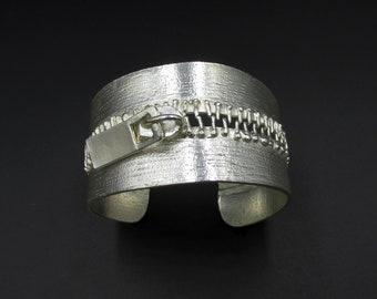 Dolce Vita zip cuff bracelet in silver metal