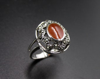 Silver ring 925 in ancient art deco style set with an oval orange red cornaline stone and size 52 marcassites