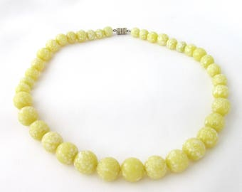 Necklace vintage vintage Sterling art deco mottled yellow glass beads speckled white egg effect