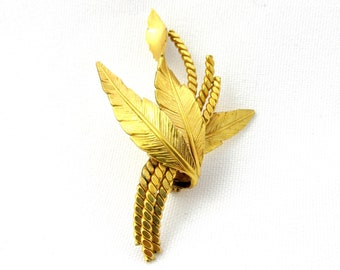 Vintage brooch in plated gold Murat three feathers and rolled twisted wire