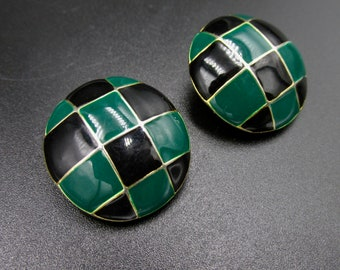 Round vintage clip earrings in gold metal décor of green and black squares partitioned enamel effect