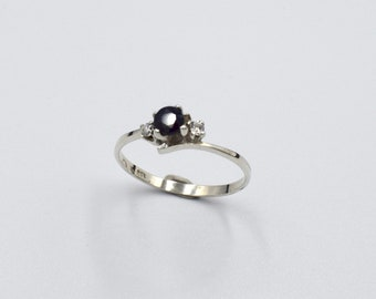 Women ring silver classic vintage set with a dark blue Sapphire with two faux diamond CZ