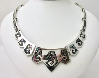 Beautiful bib necklace taxco Mexico sterling silver decorated with spirals with abalone shell inserts