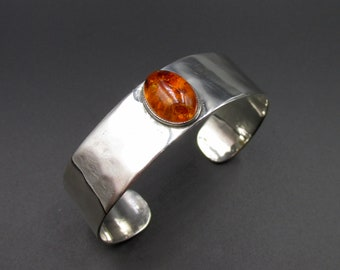 Open vintage women's bracelet, minimalist silver-plated cuff and amber cabochon