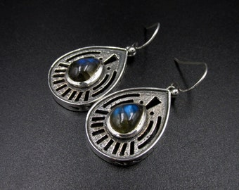 Beautiful ethnically styled dangling earrings, 925 silver drop shape set with labradorites