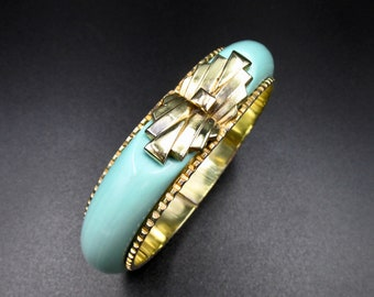 Very nice articulated bracelet antique era and art deco style gold color in brass and plastic galalith Mint green color