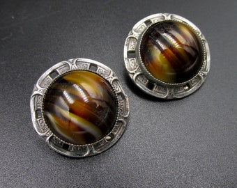 Earrings vintage clip round imitation tiger eye or bakelite marble effect and silver metal aged silver