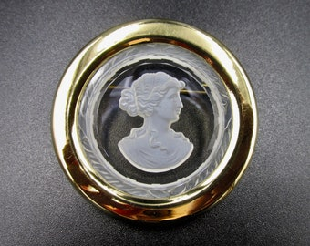 Very nice brooch cameo antique style carved glass and gilded metal signed Agatha, woman profile.