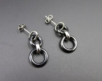 Minimalist dangling earrings for women in steel and ceramic black hanging rings