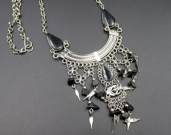 Plastron necklace with charms, ethnic style, boho hippie origin South America in silver metal and onyx