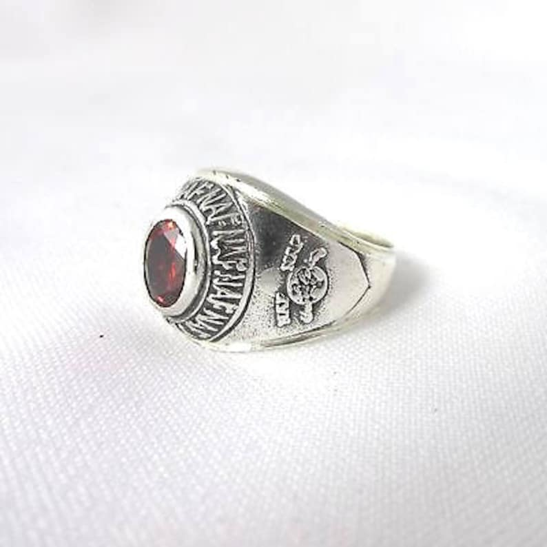 Large /' College/' ring NAF NAF silver adorned with a red stone T 60