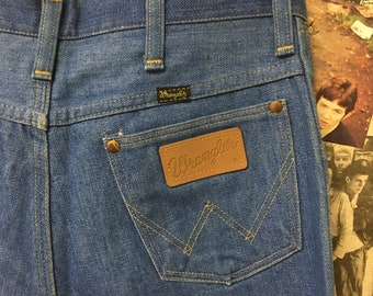 Superb Vintage Womens Wrangler Jeans Blue Straight Leg Fit USA Workwear Cowgirl Size 30X34 Free UK & Cheap Worldwide Postage