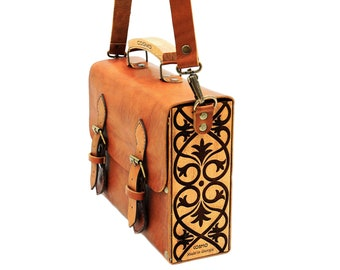 Handmade Wooden Bags, Handbags for Women, Shoulder Bags  for Women, Handy wooden Messenger bag made from Leather, Leather Wood Purse