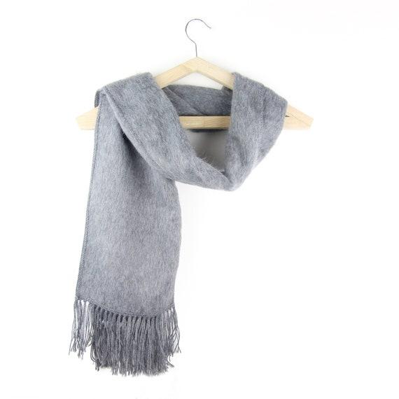 Écharpe en alpaga gris foncé, Étole ethnique , chauffe épaule femme , châle  laine, Poncho élégant fb205fa3da8
