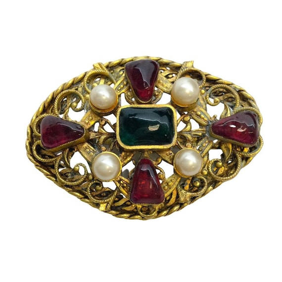 Chanel Gold Vintage 1983 Gripoix Brooch