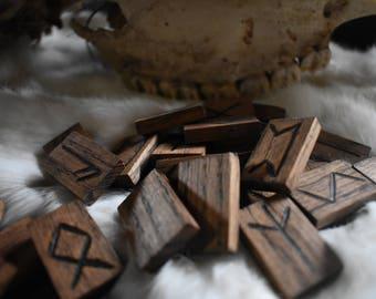 primitive oak wood elder futhark rune set *nordic*viking*asatru*pagan*wiccan*