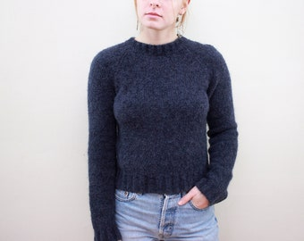 a7977c7235c98 90s Y2K Express Fuzzy Cropped Navy Sweater