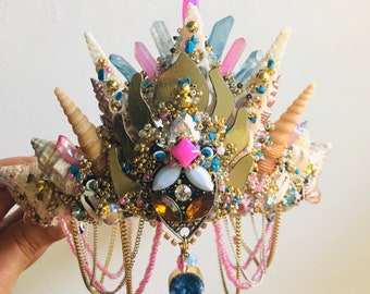 Medium blue and pink shell crown with quartz and druzy
