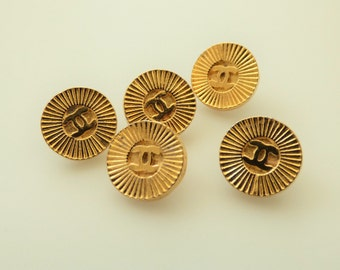 Chanel CC Vintage Gold Stamped Buttons 14mm / Price is for one button