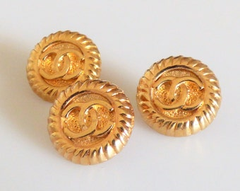 Chanel Gold CC Button / Stamped 14mm