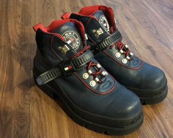 22a1cba9e8e1 Vintage Men s Tommy Hilfiger 90 s Hiking Mountaineering Trail Boots Leather  Blue Size 9