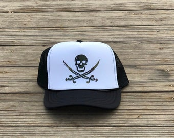 Childrens black and white foam trucker hat with green camouflage pirate