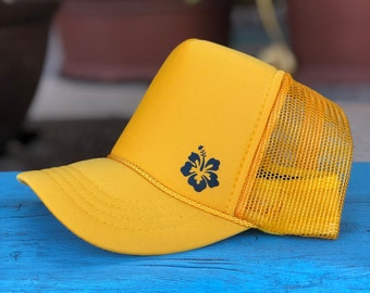 Youth Hibiscus Gold Foam Trucker Hat