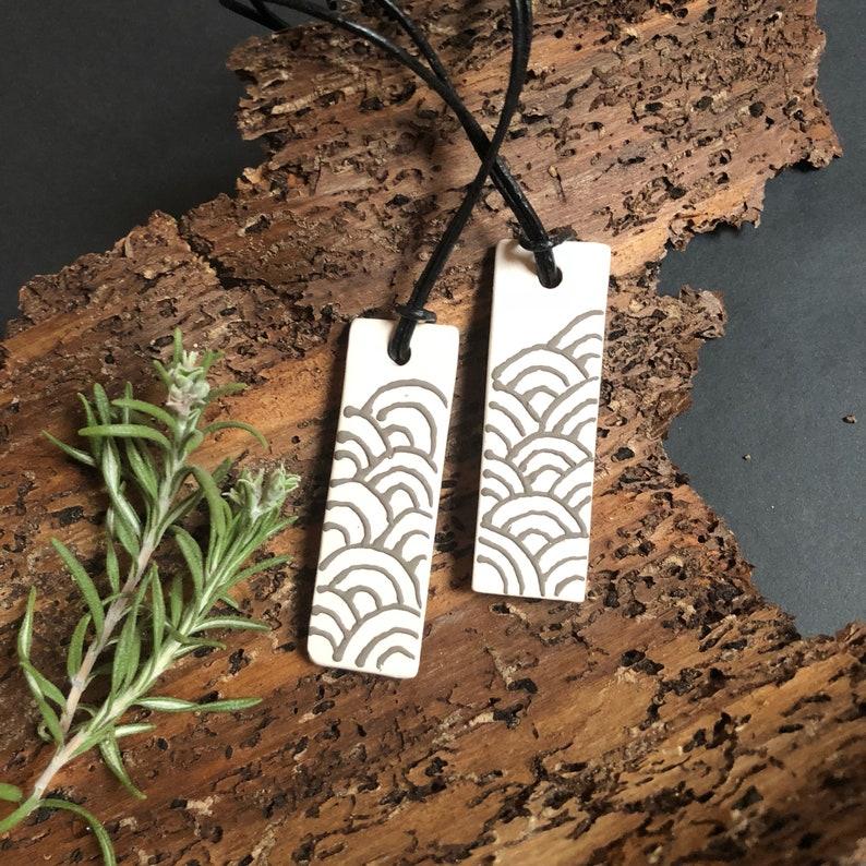 Aromatherapy Jewelry Waves Ceramic Pendant Diffuser Essential Oil Diffuser Handmade Ceramic Pendant