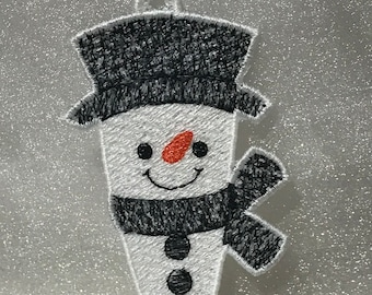 b4c9494a3b9ef Top Hat Icicle Snowman (Free Standing Lace)