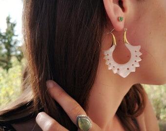 Mother/'s gift Gift for her Women/'s Earring Red PearlWhite Shell Earrings Shell Earrings