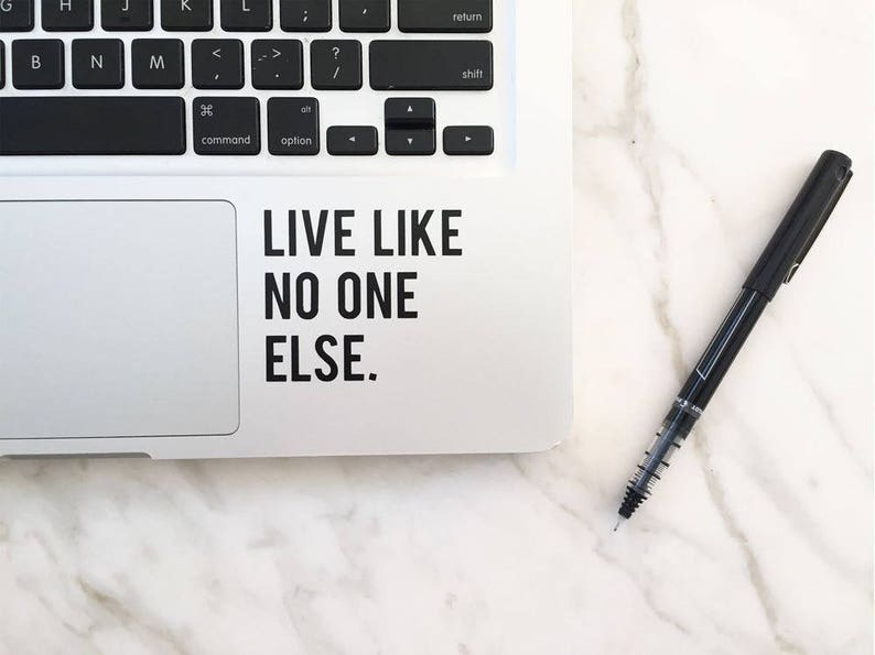 Live Like No One Else Vinyl Decal  Dave Ramsey Quote  image 0