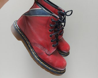 Vintage Dr Martens red leather boots with navy blue stripe, white detail, 6 eyelets, lace up, Mens UK 6 Made in England