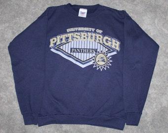 91035b5a062 Vintage 90s Clothing University of Pittsburgh Pitt Panthers Men Size Medium    Oversized Womens Retro Logo Navy College Crewneck Sweatshirt