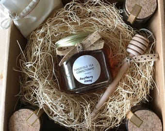 Charming Hand-Blended Fine Quality Tea and Honey Gift Set
