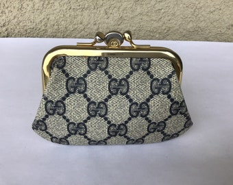 d1fb7070a Vintage Gucci Coin Purse Kiss Lock Closure Excellent Exterior Condition