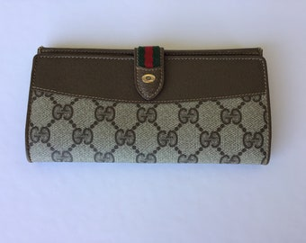 f29c11d4aa4 Authentic Vintage Gucci Bifold Wallet Great Condition