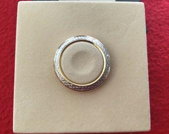 a9cf536a53f Authentic Vintage Gucci Gold Diamond Cut Metallic Bezel New In Box