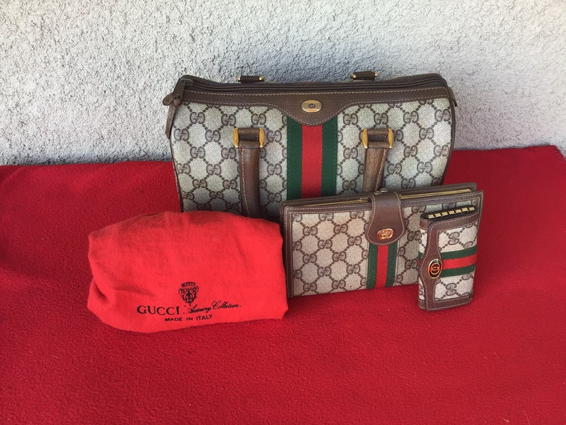 fb4ac64e84c Authentic Vintage Gucci Boston Doctog Bag Trifold Wallet and
