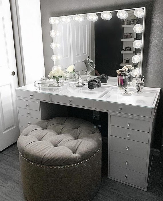Hollywood Makeup Vanity Mirror with Lights-Impressions ...