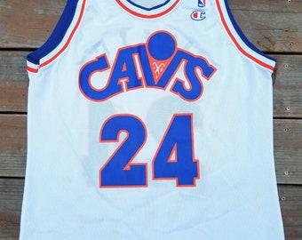 dd0141322c9d Chris Mills Vintage Champion Jersey 44 Rare Cleveland Cavs 90s NBA Cavaliers