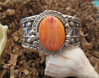 Outstanding Navajo Sterling & Genuine Orange SPINY OYSTER Cuff >Vibrant Orange Color>Detailed Raised Silver Design all around> -JNB076