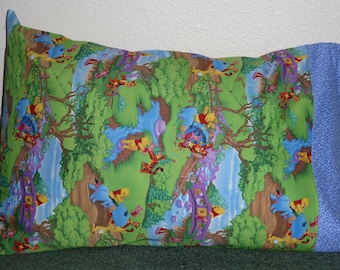 WINNIE THE POOH w/Tigger, Eyeore & Piglet pillow case