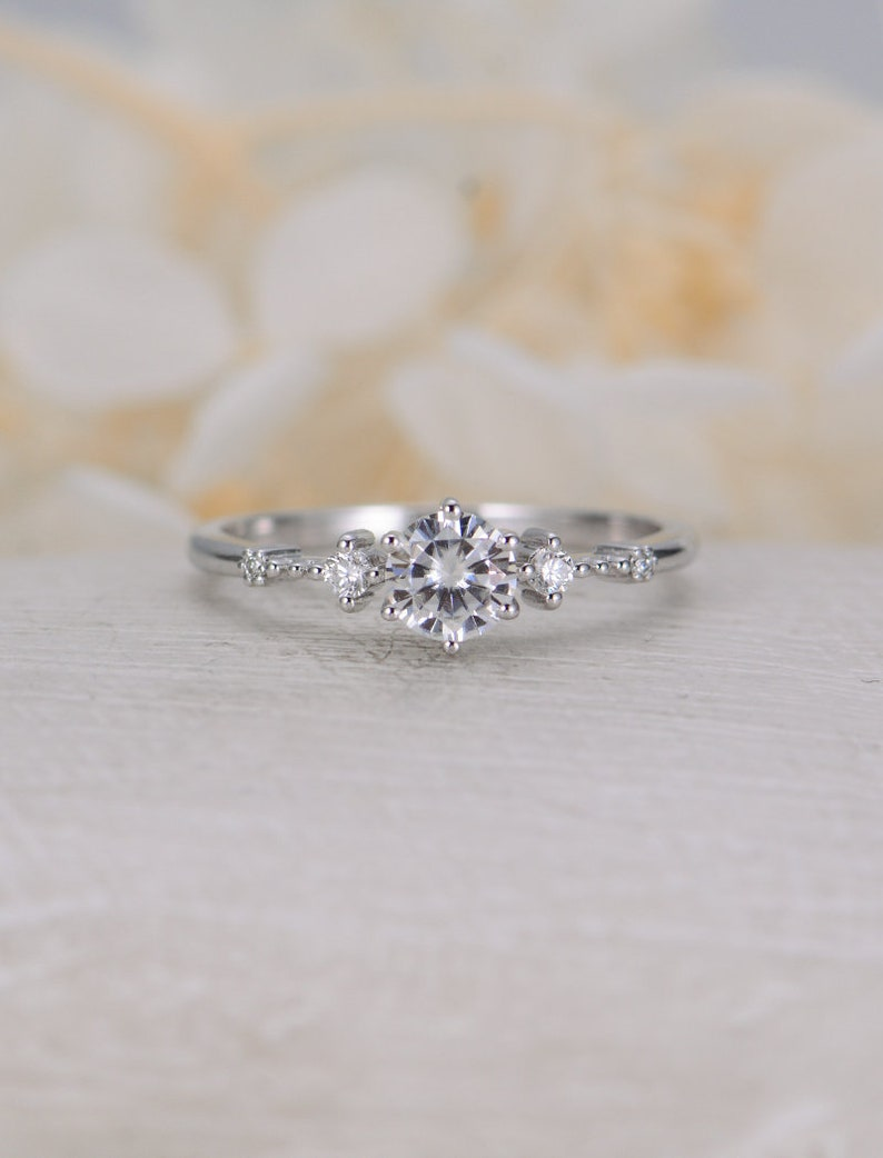 Image 0: Delicate Vintage Wedding Rings At Websimilar.org