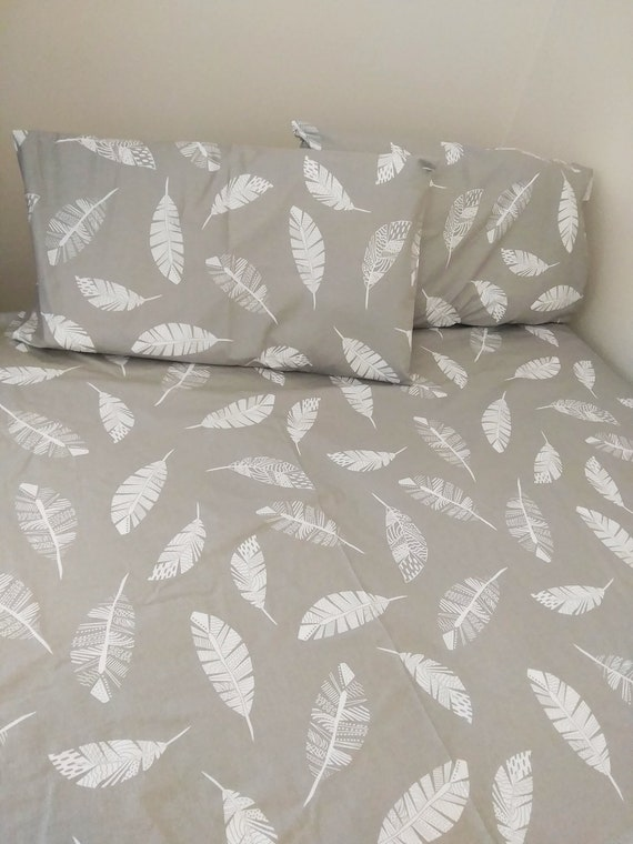 GEOMETRIC FEATHERS GREY KING DUVET COVER /& PILLOWCASE SET 2 IN 1 DESIGN
