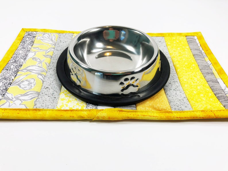 Cat Quilted Placemat  Pampered Pet  Pet Food Mat  Feline image 0