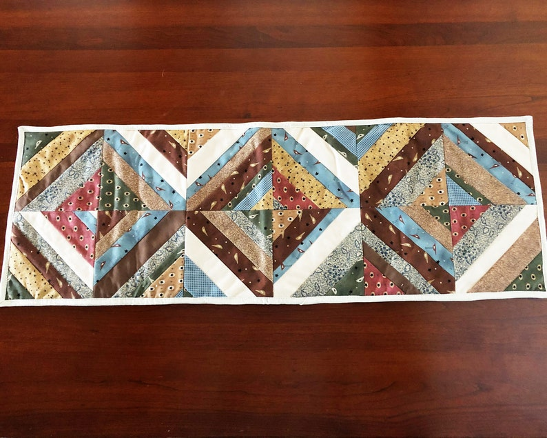 Quilted Table Runner  Country Cotton Fabric  Hostess Gift  image 0