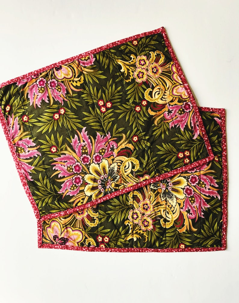 Quilted Placemats  Set of 2 Place Mats  Green Pink Floral  image 0